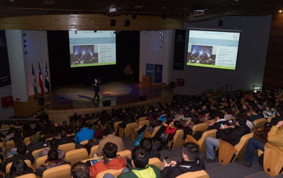 Directores de USEC dictan clase magistral en U. San Sabastián (2018)